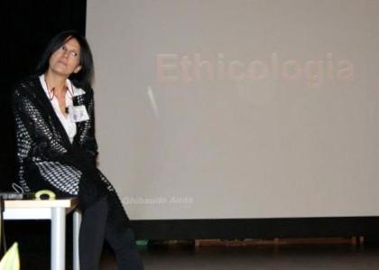 Nadia Ghibaudo en las IX Jornadas sobre Cuidados y Conservación de Loros